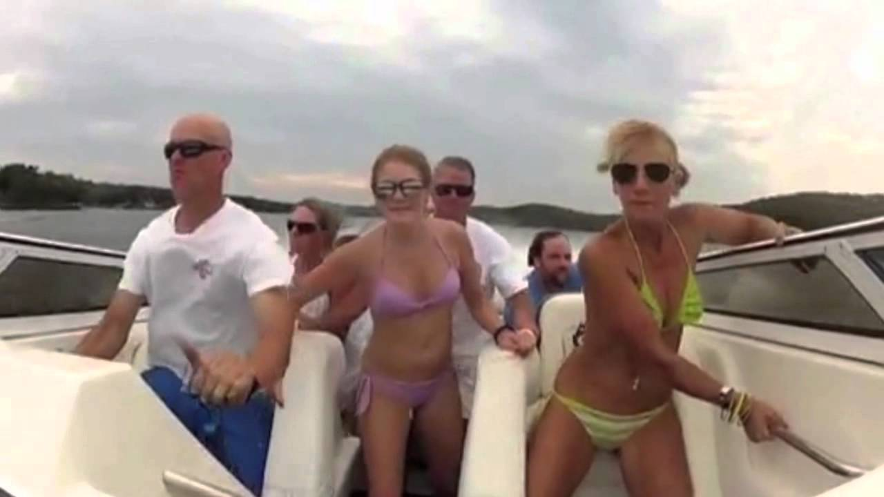 Amazing fail 2014 How not to drive boat